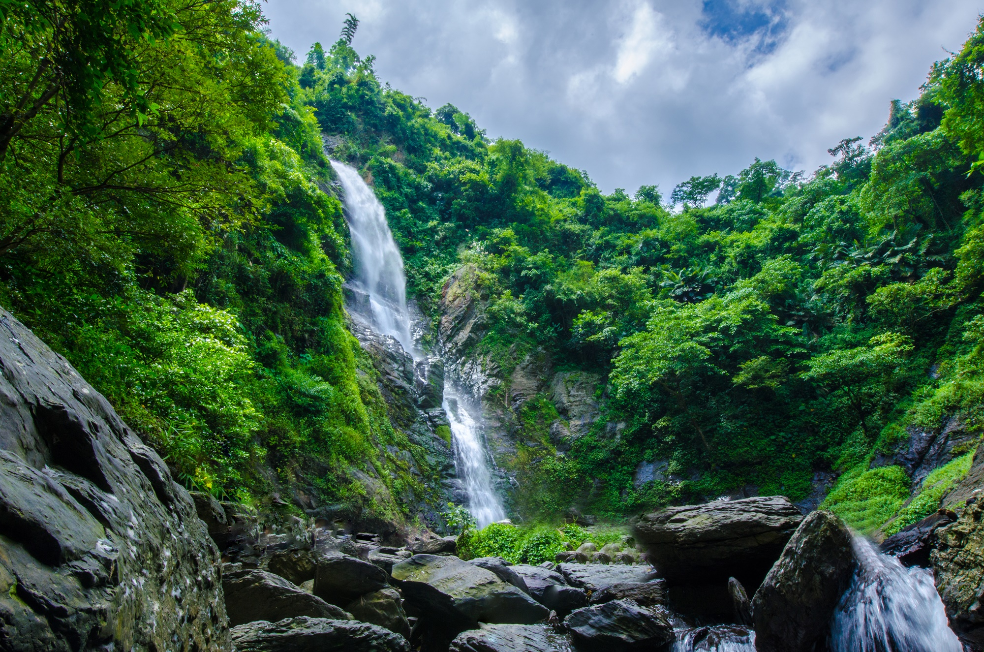 涼山瀑布 Liangshan Waterfall