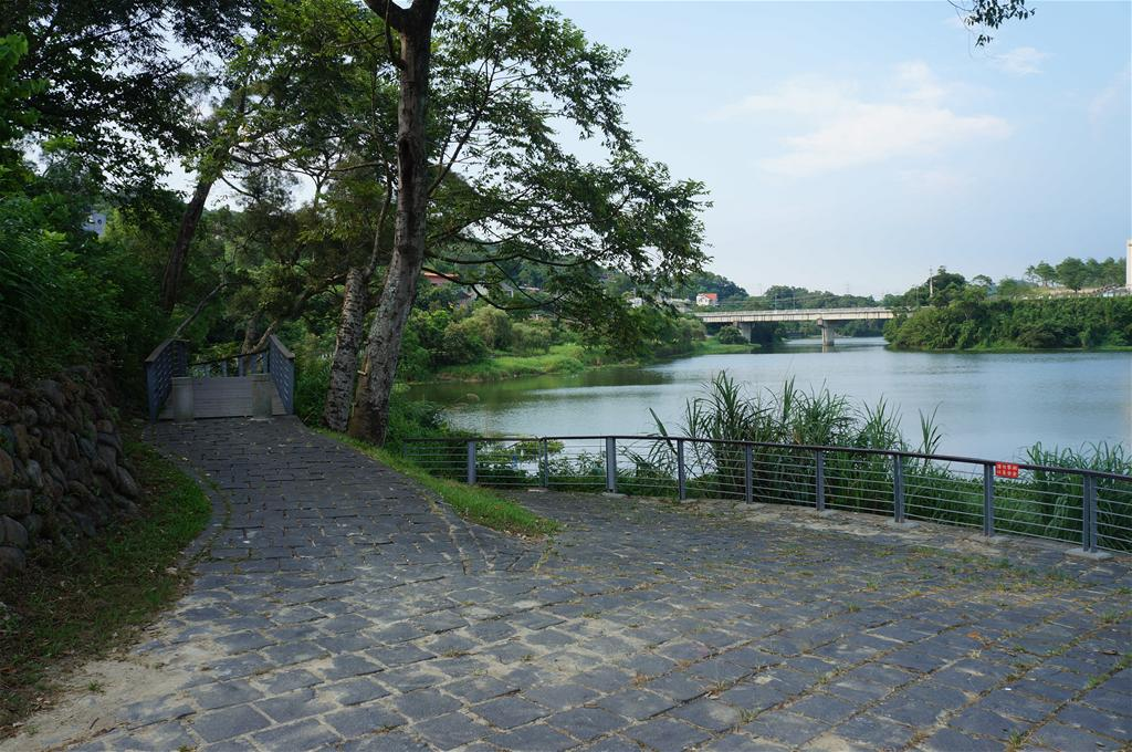 峨眉湖環湖步道 Emei Lake Round-the-lake Trail