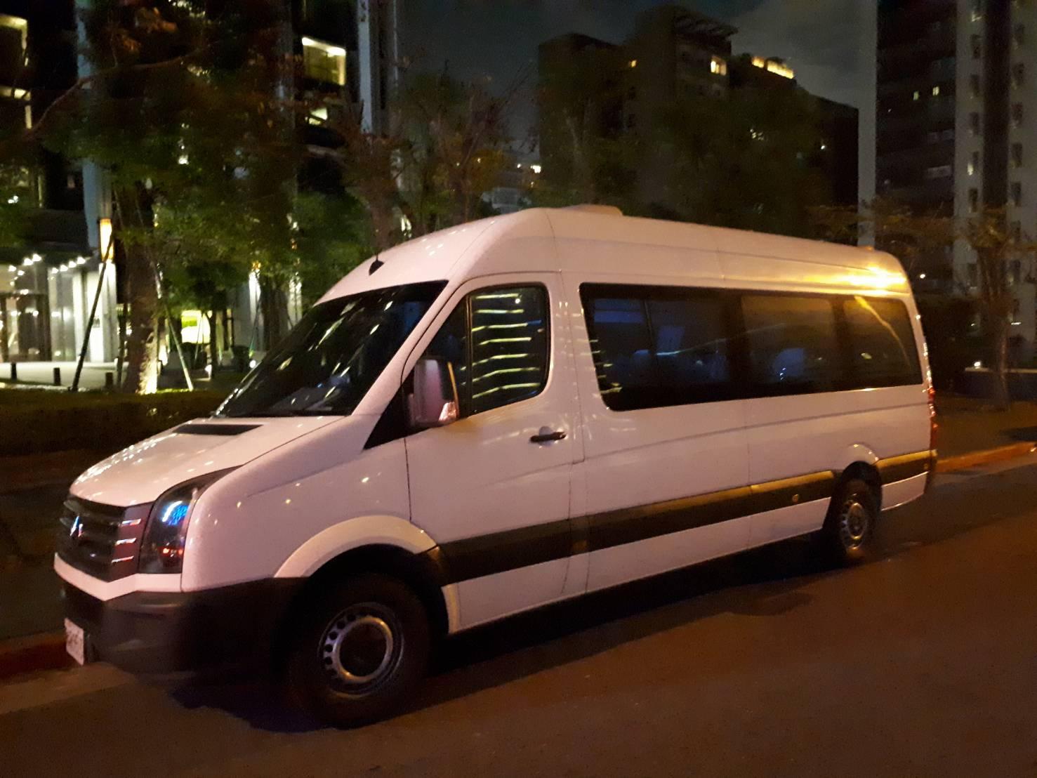 賓士褓姆車、台北大T保母車