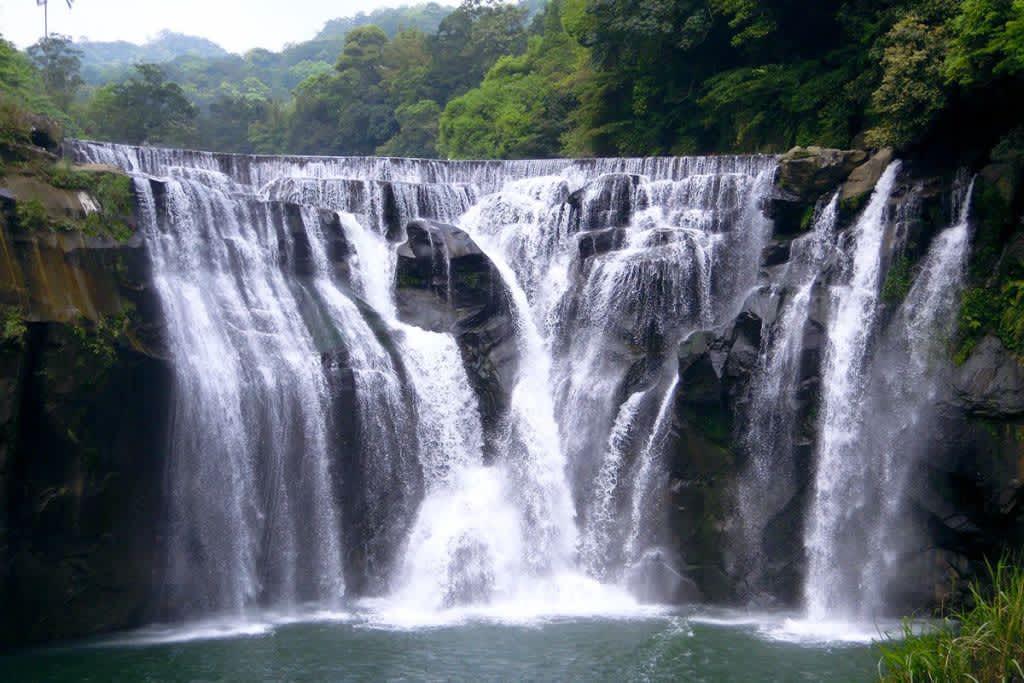 十分瀑布包車旅遊景點