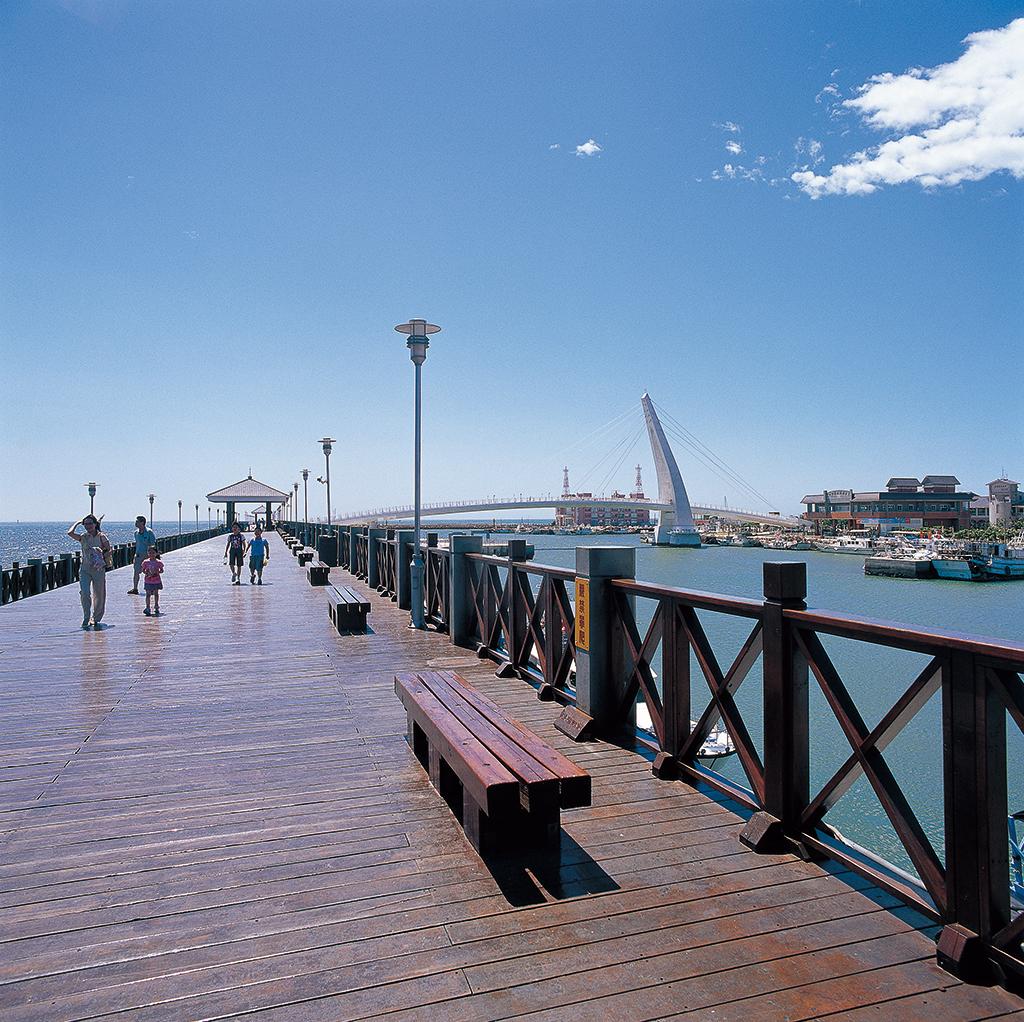 淡水老街包車旅遊景點介紹-漁人碼頭
