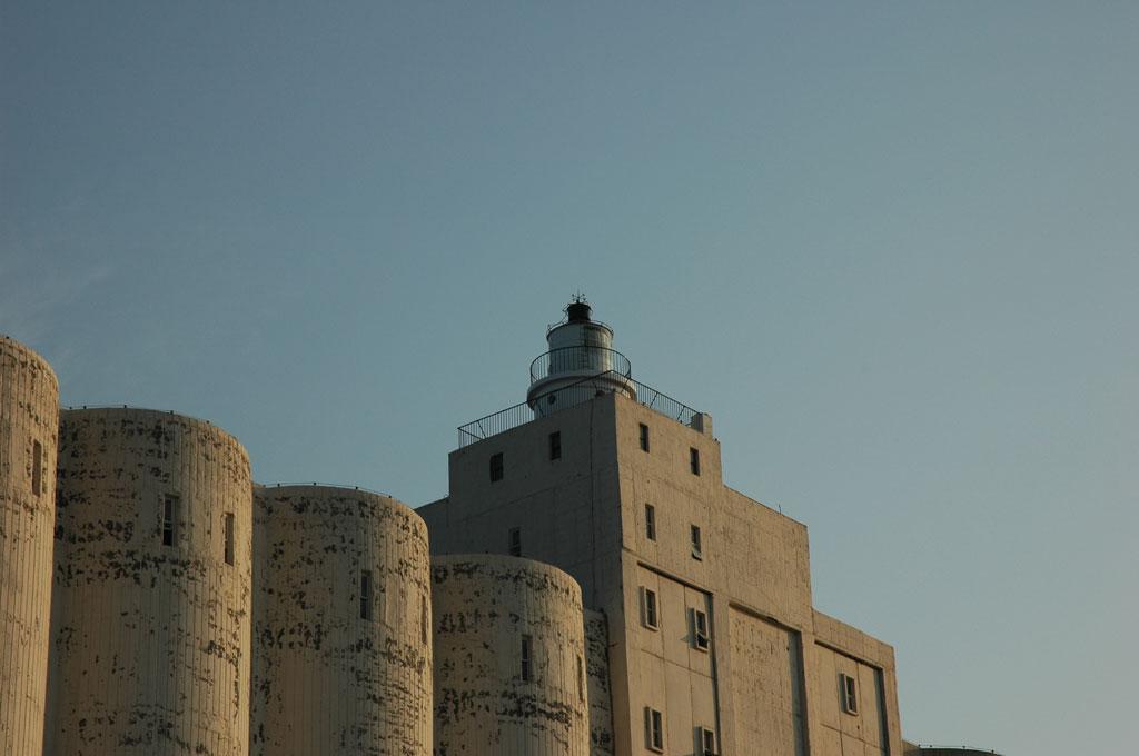 臺中港燈塔,燈塔,臺中港一號碼頭